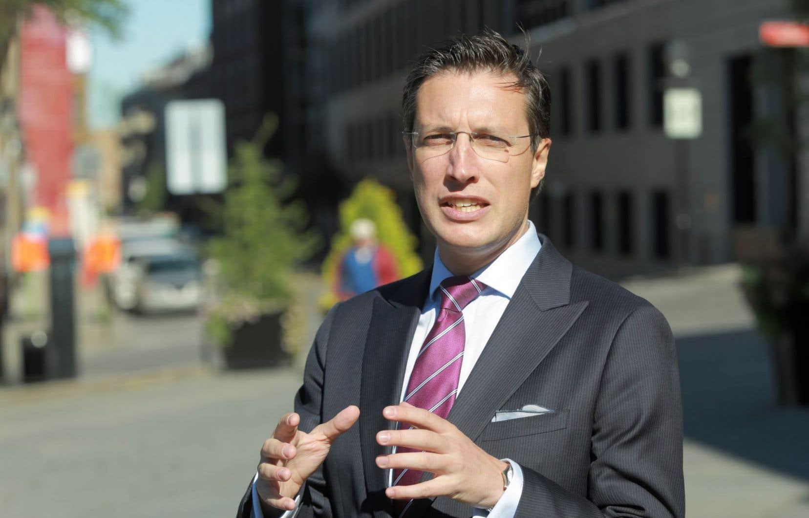 Guillaume Lavoie, candidat à la direction de Projet Montréal, est depuis longtemps une référence en matière de politiques publiques et de systèmes économiques tournés vers l'avenir.