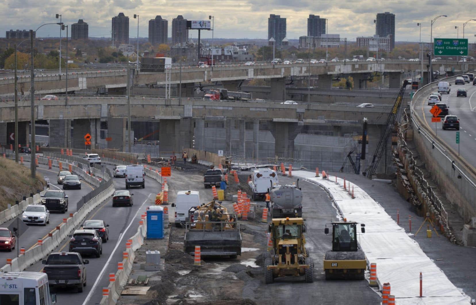 Au cours des cinq prochaines années, la Ville de Montréal compte doubler la quantité de travaux qu'elle effectuera pour retaper ses rues, ses aqueducs et ses égouts.