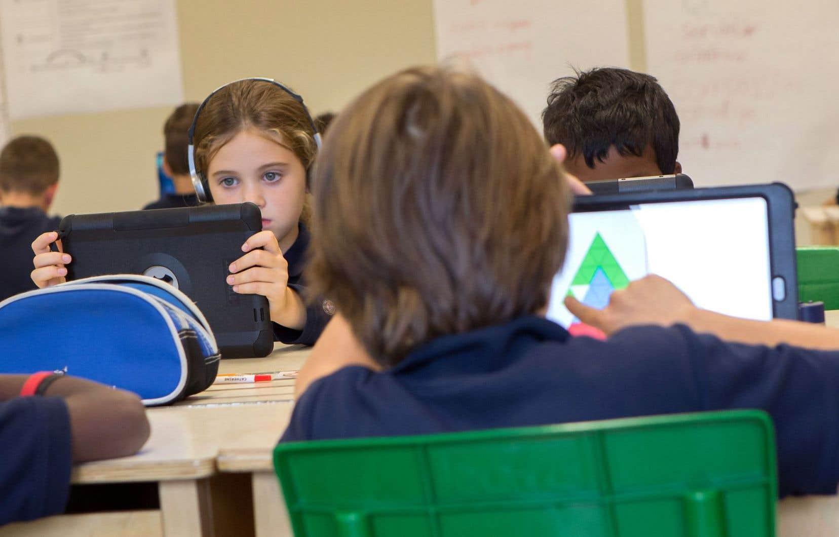 La technologie est entrée à l'Institut Saint-Joseph de Québec (photo), mais pas dans le cœur du philosophe Réjean Bergeron, qui prône une école «100% branchée sur l'être humain».