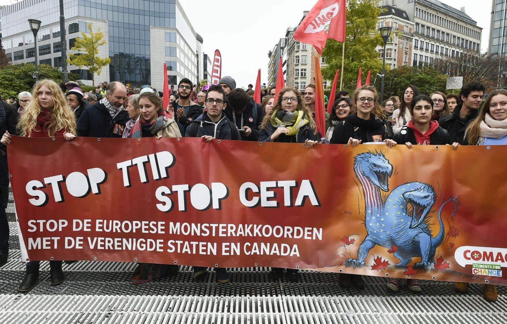 L'accord de libre-échange ne fait pas que des heureux. Des manifestants ont voulu le démontrer jeudi à Bruxelles.