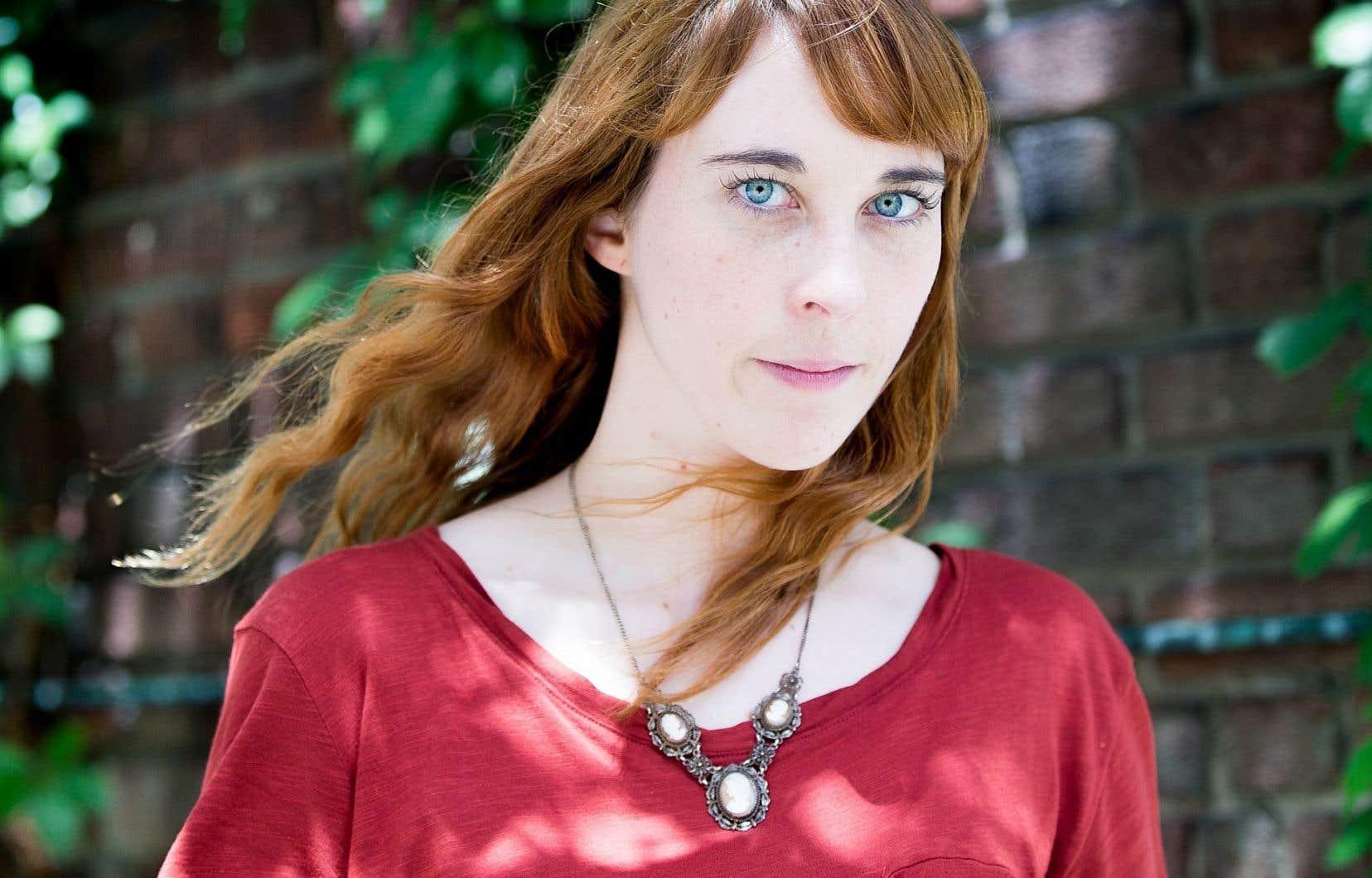 Ingrid, la jeune trentaine, s'intéresse à la sorcellerie depuis son adolescence.
