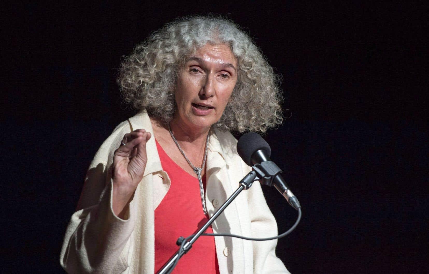 Cécile Rousseau craint que le rapport ne conduise à des amalgames et à des généralisations au sujet de toutes les femmes musulmanes.