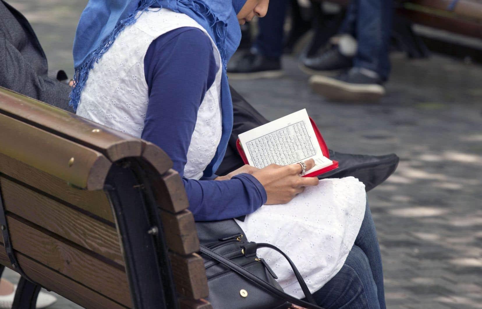 La radicalisation a permis à Anna et à Sara de vivre en tant que musulmanes, chose qui n'était plus vraiment possible au Québec du temps de la charte des valeurs.