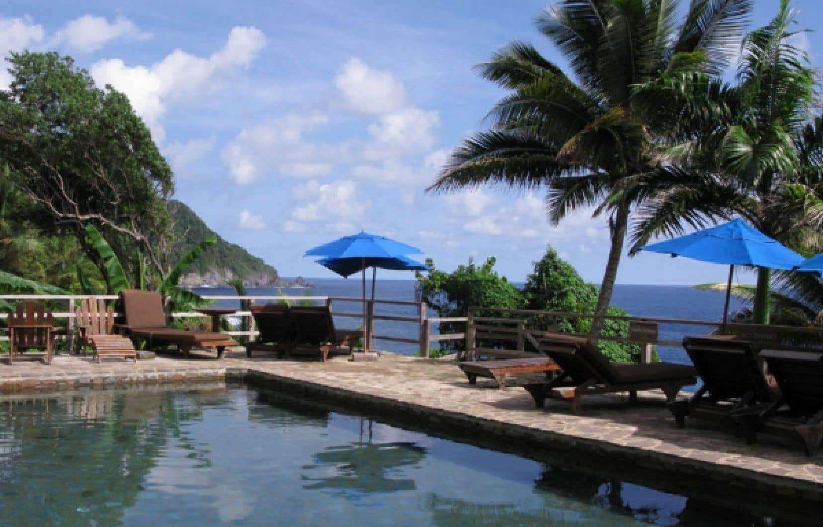 La piscine du Jungle Bay Resort.