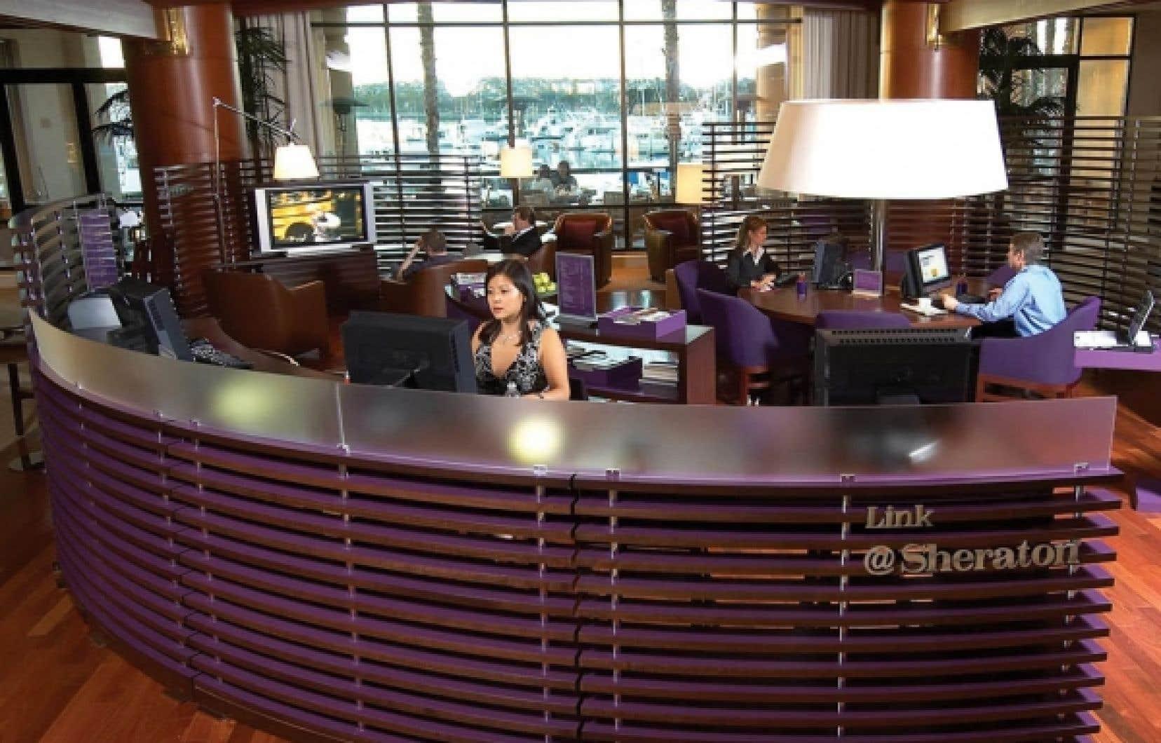 Un espace de travail à l'hôtel Sheraton de Laval