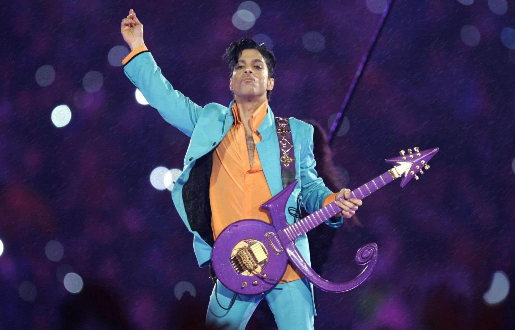 Prince avait déjà été lié par un contrat avec Universal Music Publishing, qu'il avait rompu en 2014.