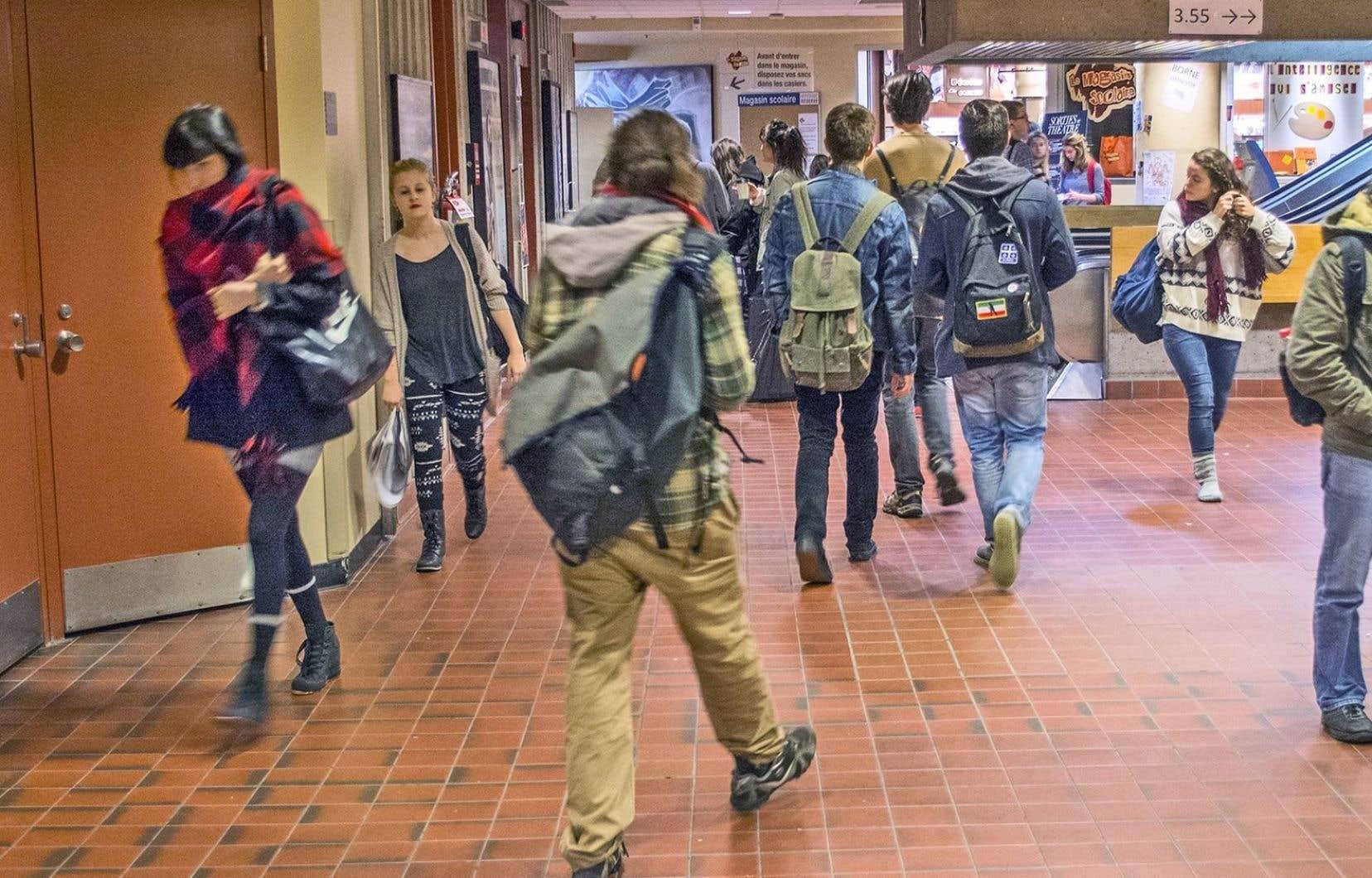 La recherche a été effectuée en ligne auprès des élèves de huit cégeps de diverses régions du Québec.