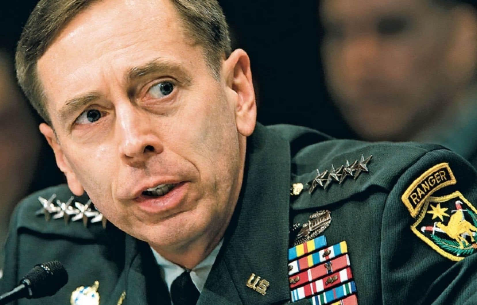Le général David Petraeus, commandant américain en Irak et en Afghanistan