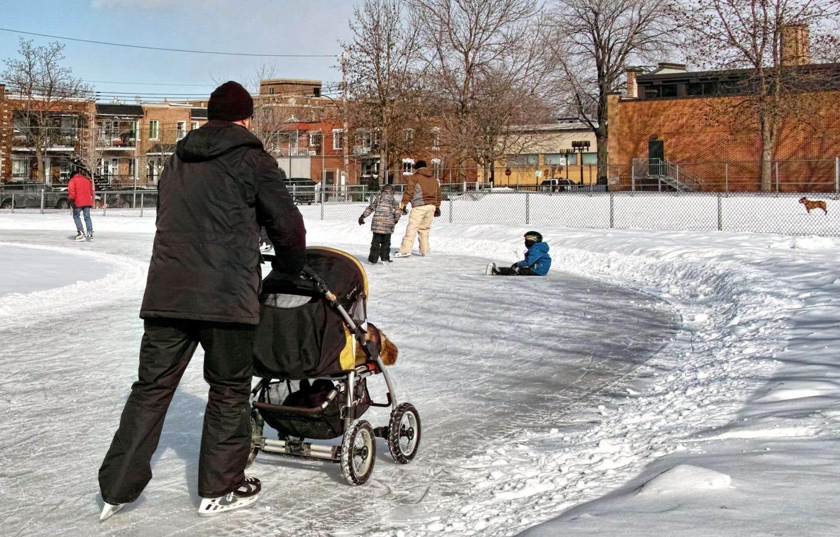 Avec de nouveaux investissements, la Ville de Montréal espère étendre la saison du patinage, mais aussi dégager du personnel afin d'améliorer l'entretien de ses nombreuses patinoires.