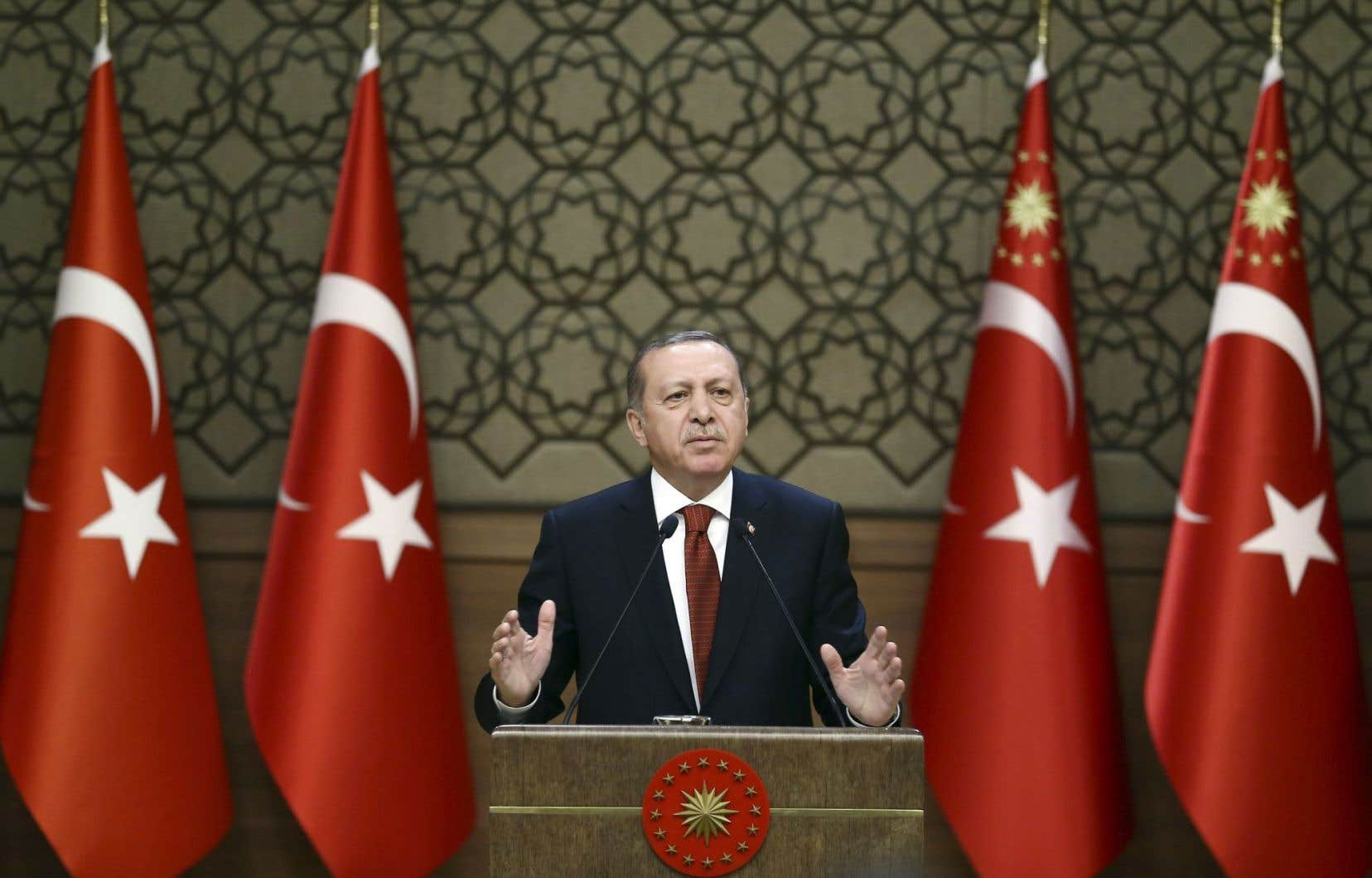 Erdogan, président de la Turquie, continue de cibler les groupes d'opposition.
