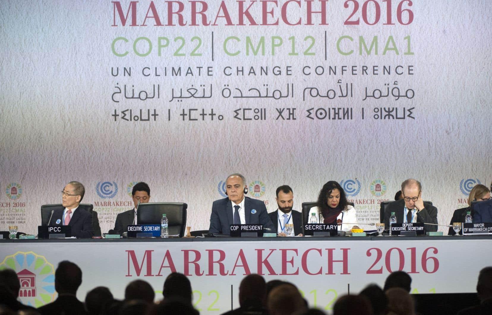 Pour tenter de remonter le moral des troupes, un délégué du Réseau action climat dit espérer que le président élu Trump sera peut-être plus modéré que le candidat Trump, qui affirmait en campagne que les changements climatiques sont une invention des Chinois.