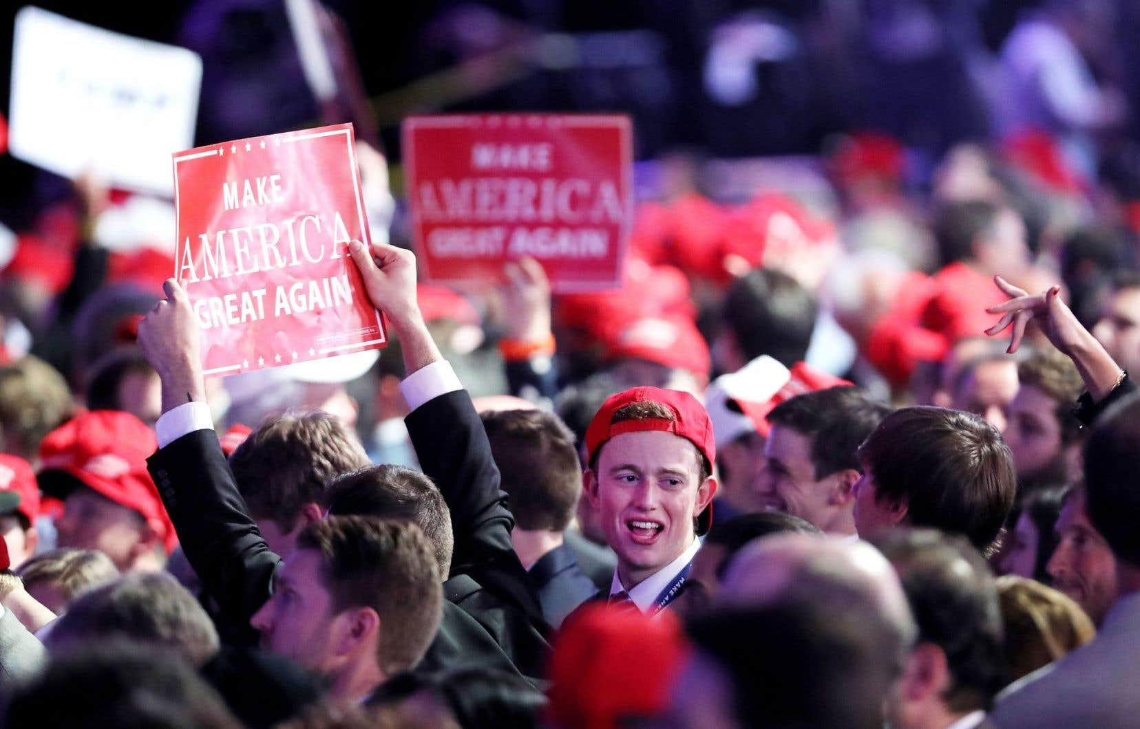 Les partisans de M.Trump étaient en liesse mardi soir, alors que les résultats dévoilés au compte-gouttes lui attribuaient la victoire.