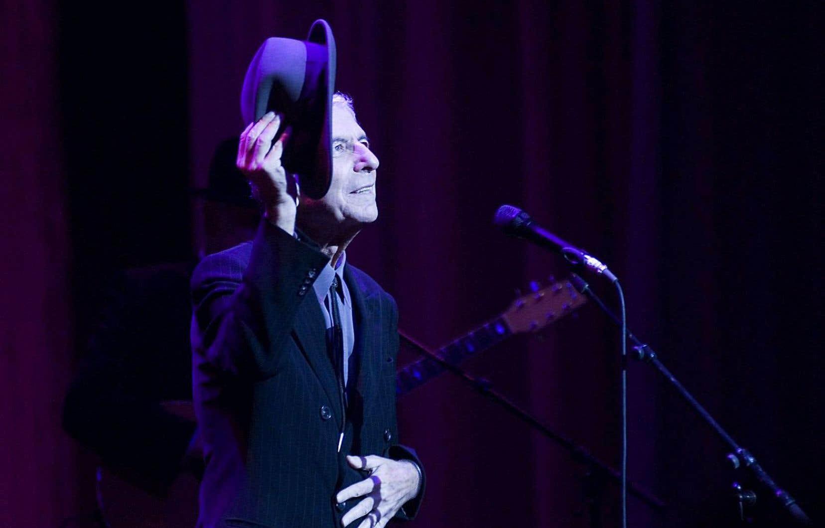 Le poète, romancier et auteur-compositeur-interprète Leonard Cohen