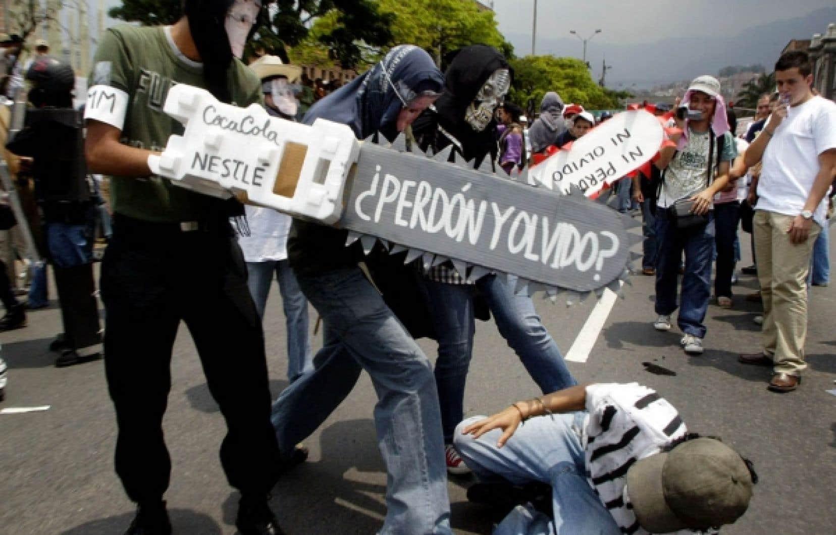 Dans un pays, la Colombie, où les deux tiers des travailleurs ne sont pas syndiqués, où ceux qui le sont ont des droits limités, où l'exercice syndical présente trop souvent un danger, il n'est pas évident de revendiquer, de manifester et encore moins d'assurer une relève.