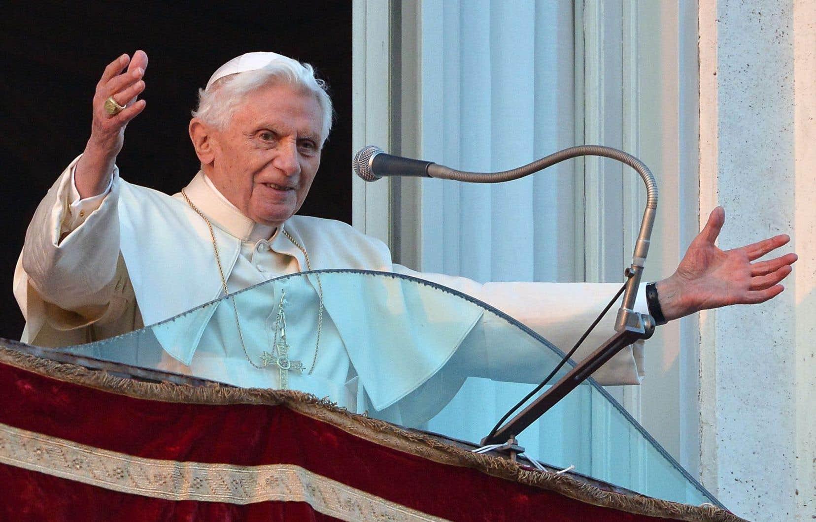 Sa renonciation au rôle de pape a été faite en toute liberté, raconte Joseph Ratzinger.