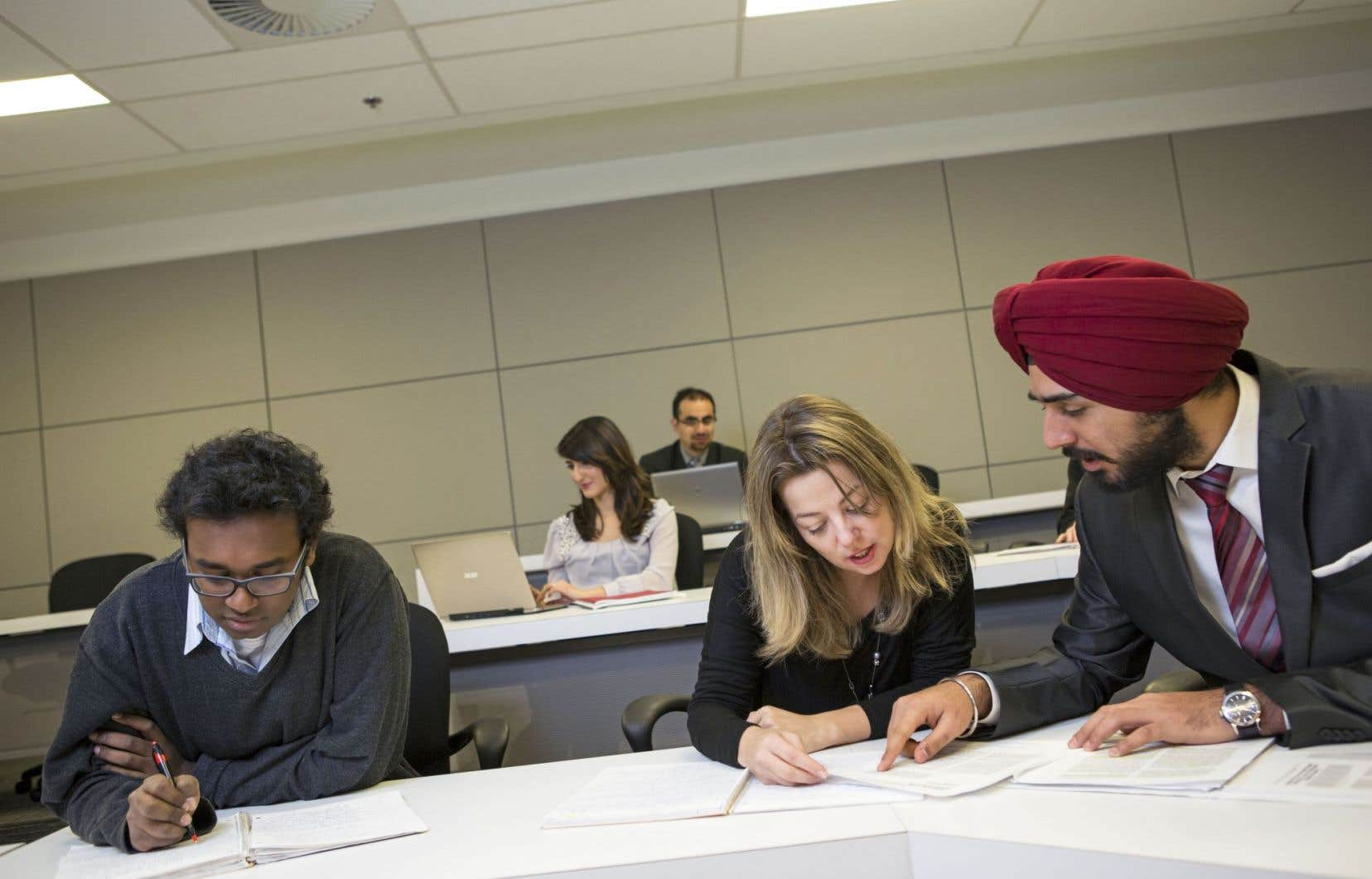 L'âge moyen des étudiants au MBA à Concordia est de 29ans, et au moment de leur entrée au programme, ils ont déjà, en moyenne, cinq années d'expérience sur le marché du travail.
