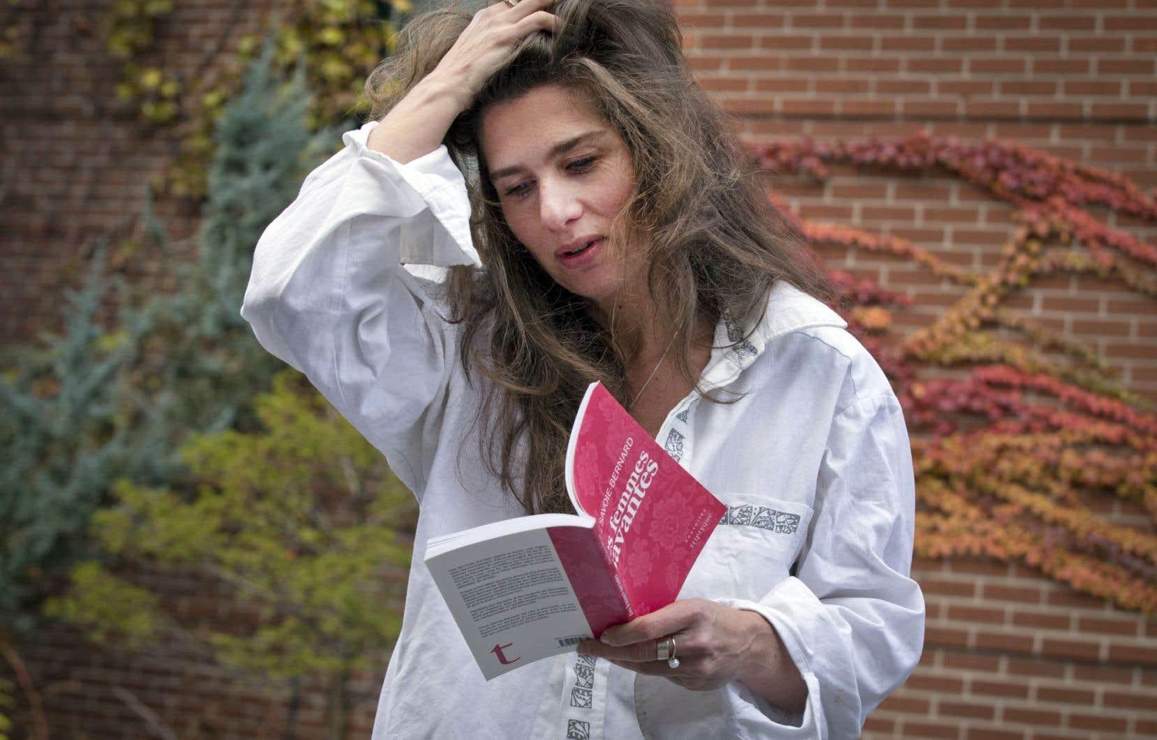Lire, dehors, dedans, à voix haute, en silence, seul ou avec d'autres, pour s'évader, comprendre, apprendre, oublier ou se mettre en danger.