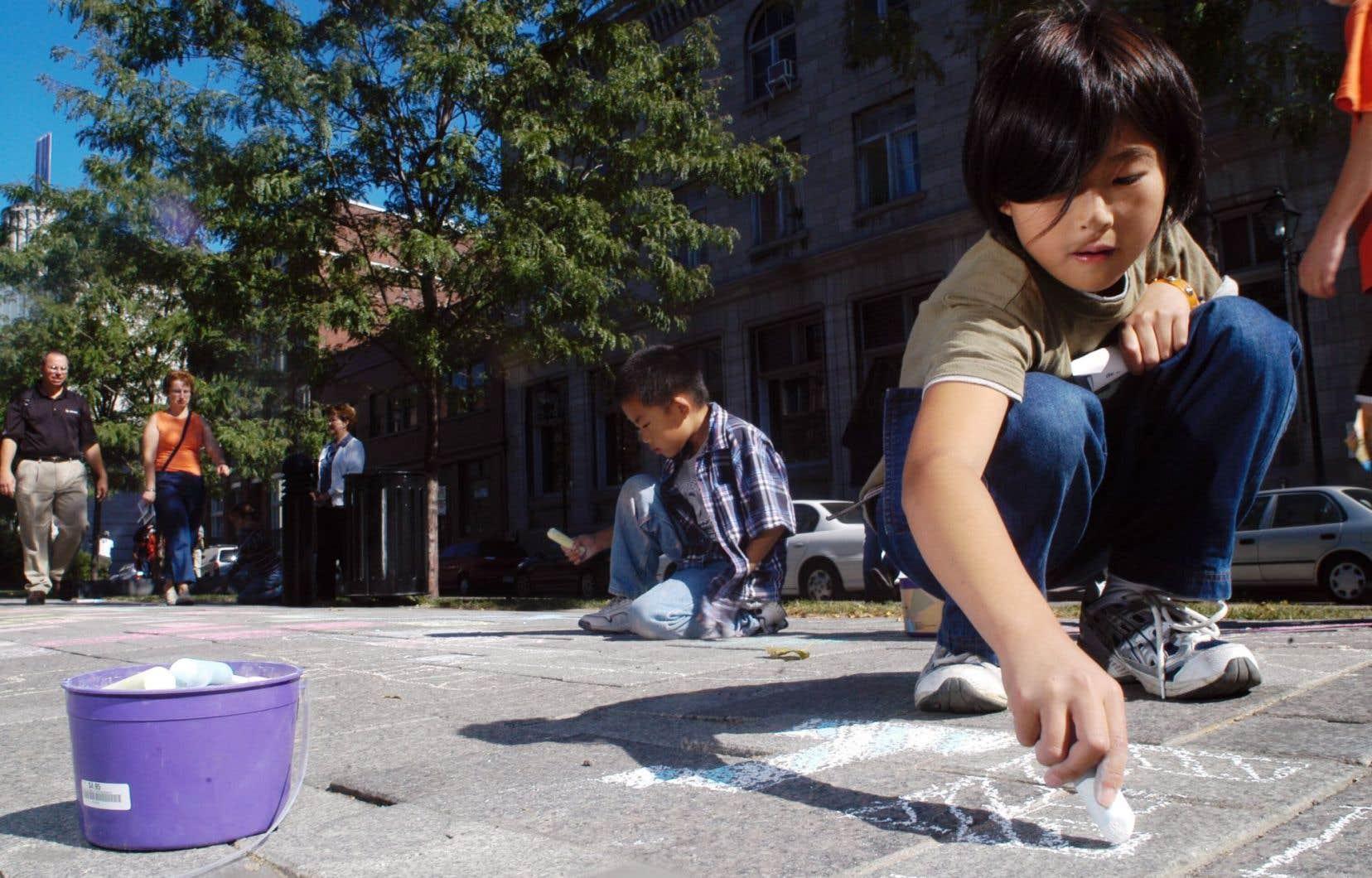 Permettre le jeu libre dans la rue inciterait plus d'enfants à faire de l'exercice, selon le député caquiste Simon Jolin-Barrette.