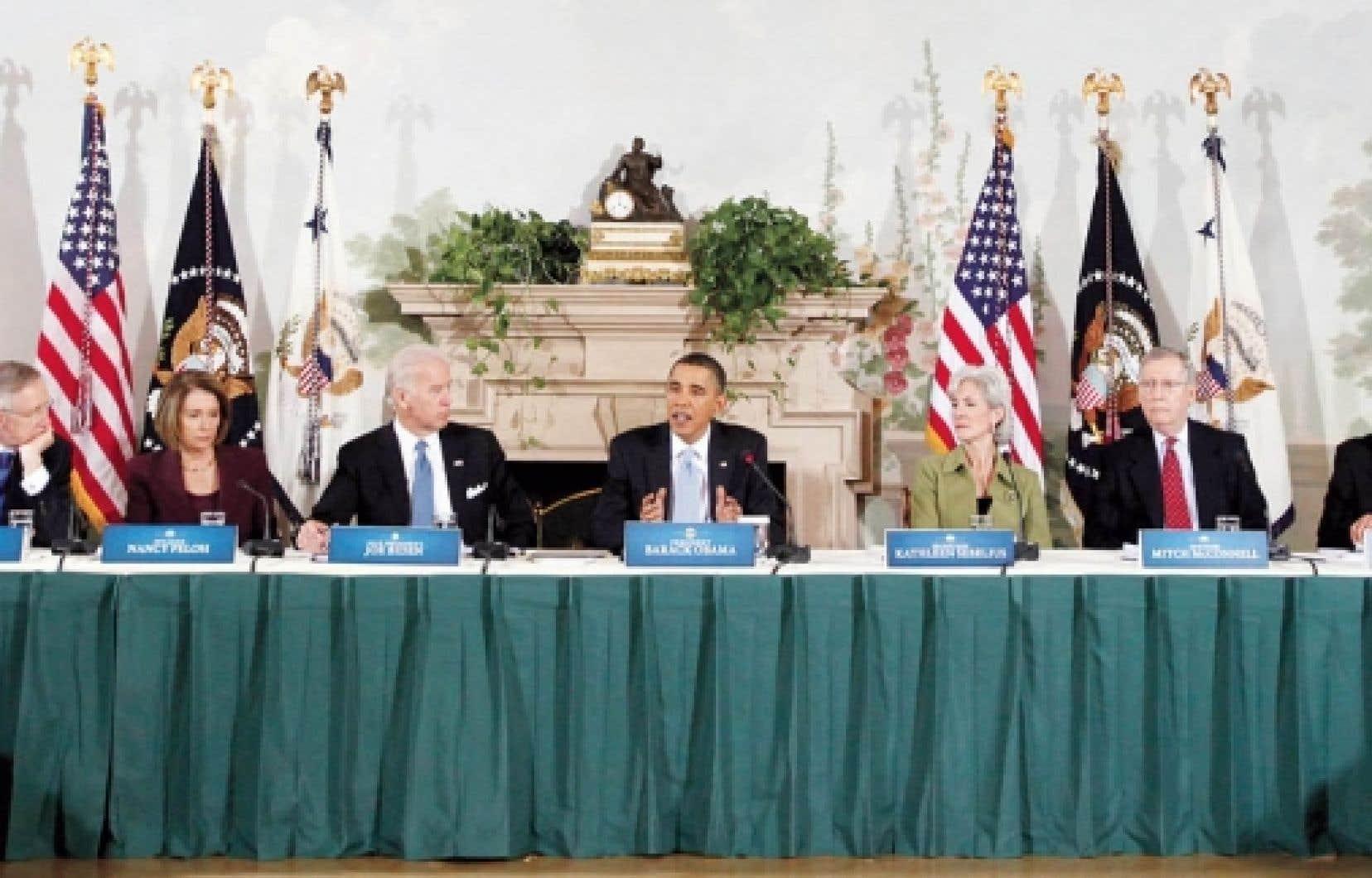 Le président Barack Obama était entouré des poids lourds démocrates pour la rencontre d'hier.