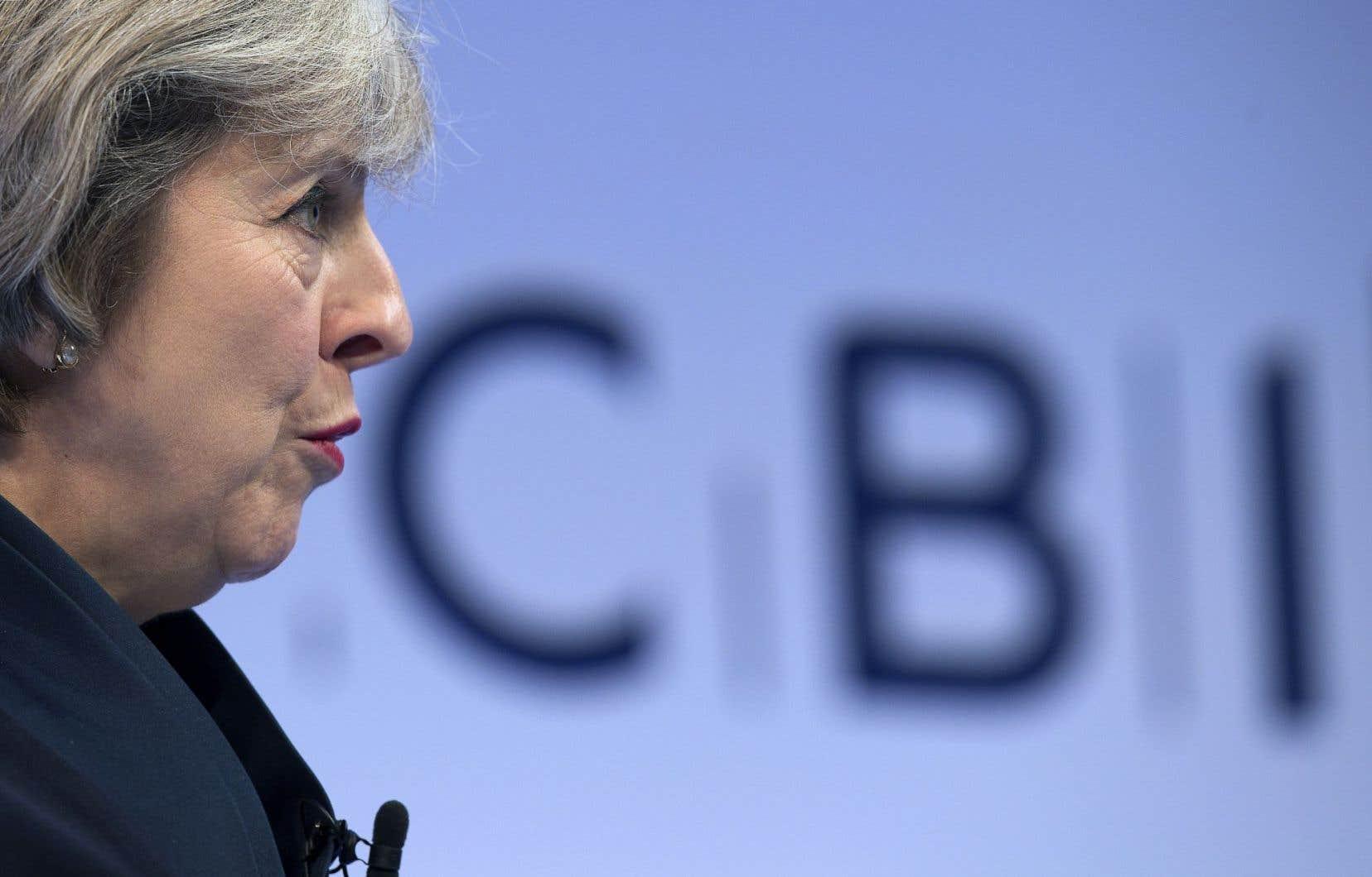 La première ministre du Royaume-Uni, Theresa May, a promis que son pays aura l'un des taux d'imposition sur les sociétés « les plus faibles des vingt principales économies mondiales».