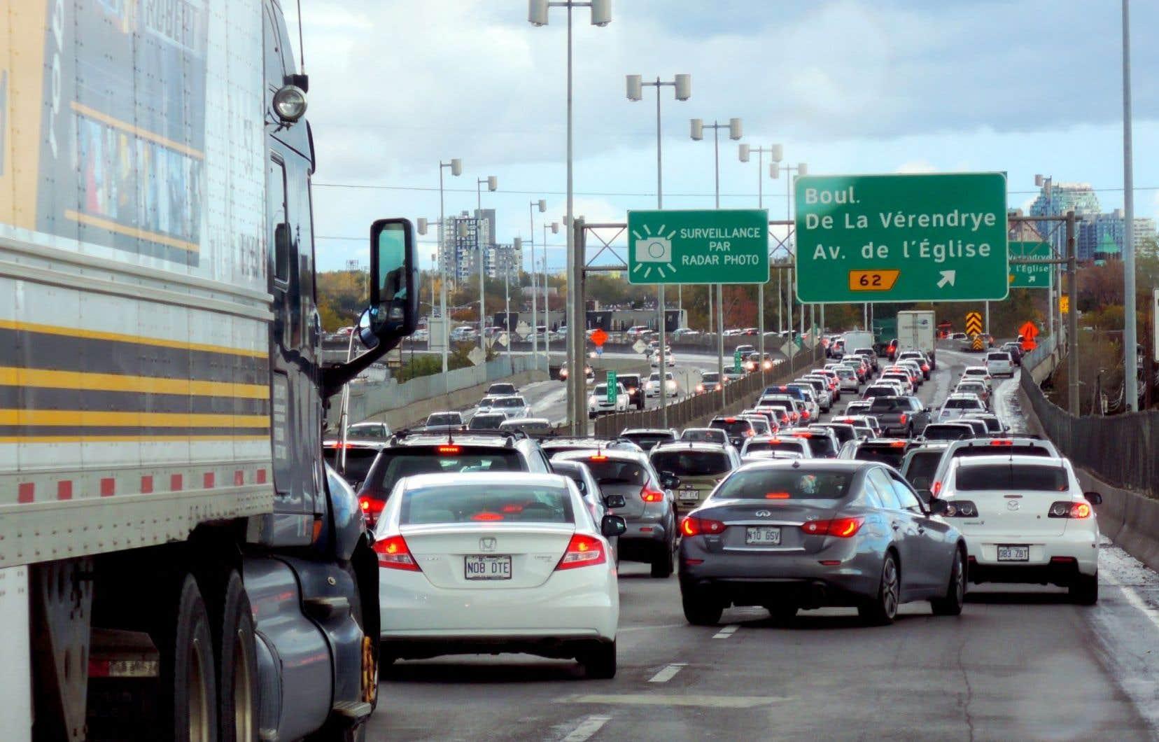 L'enveloppe de 481millionsest censée améliorer l'offre de transport en commun pour aider les automobilistes à migrer vers cette solution plus verte.