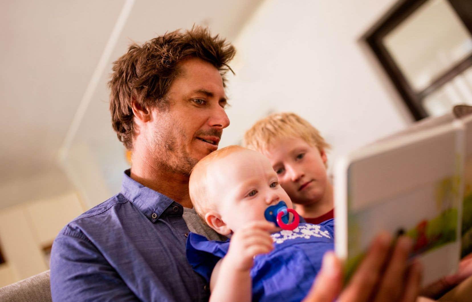 Pour rejoindre un public plus large, l'Association des bibliothèques du Québec souhaite offrir des ateliers de «littératie familiale» en bibliothèque ou en ligne.