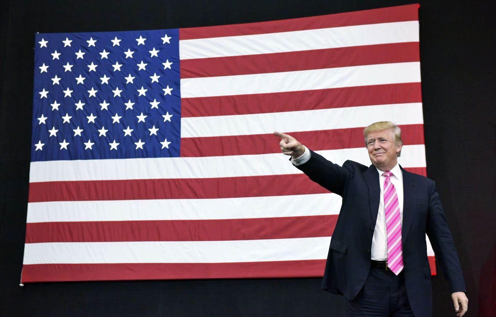 Le coûteux programme de Donald Trump risque de gonfler la dette américaine, estiment les économistes.