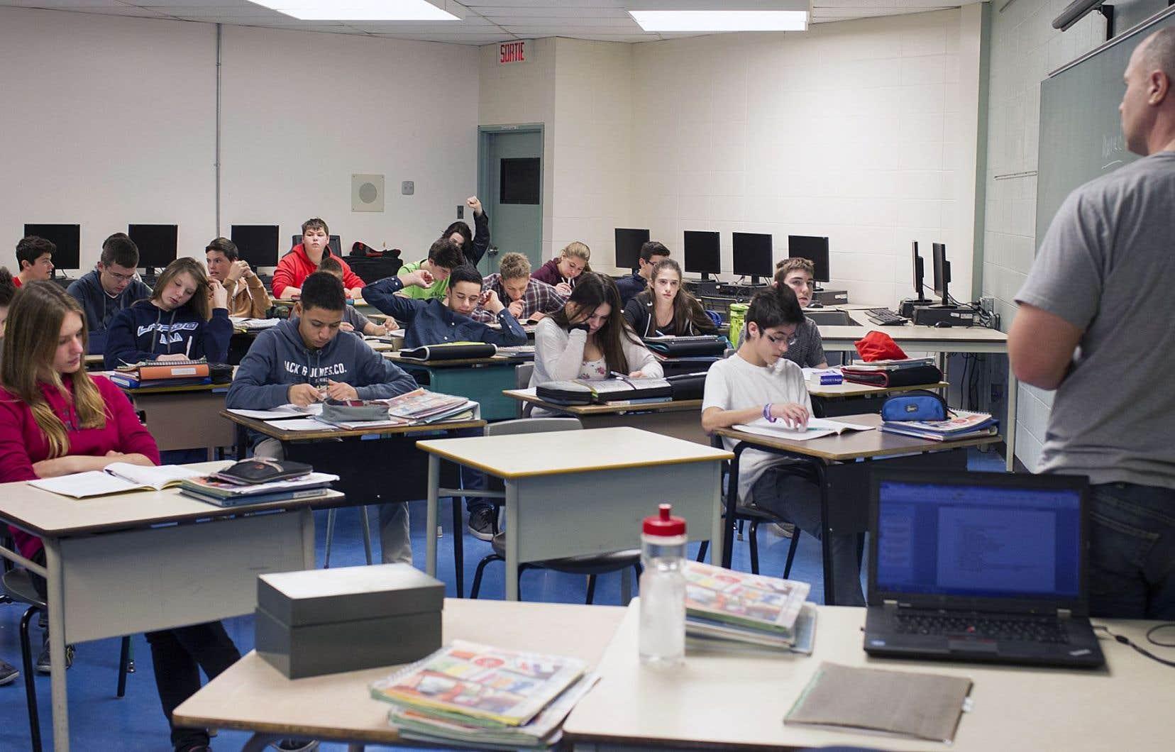 La proximité des écoles est un enjeu majeur, croit Michel Perron. Les trop grands déplacements des élèves représentent un facteur dans la diplomation.