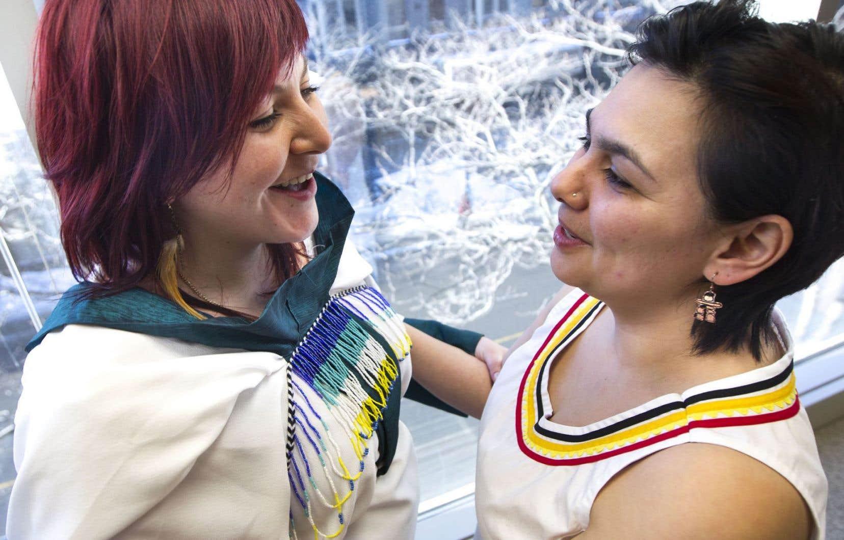 Le katajjaniq, chant de gorge inuit, est une pratique millénaire (un jeu aussi) surtout féminine.