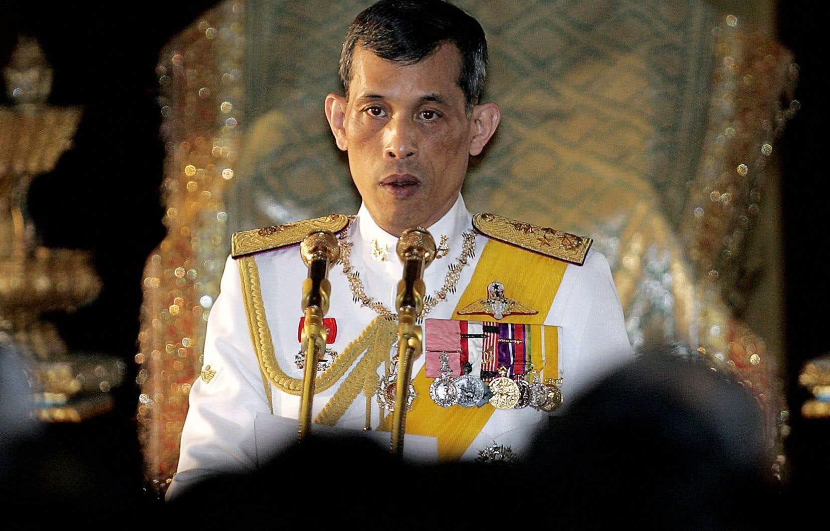 Le nouveau roi thaïlandais portera le nom de Rama X.