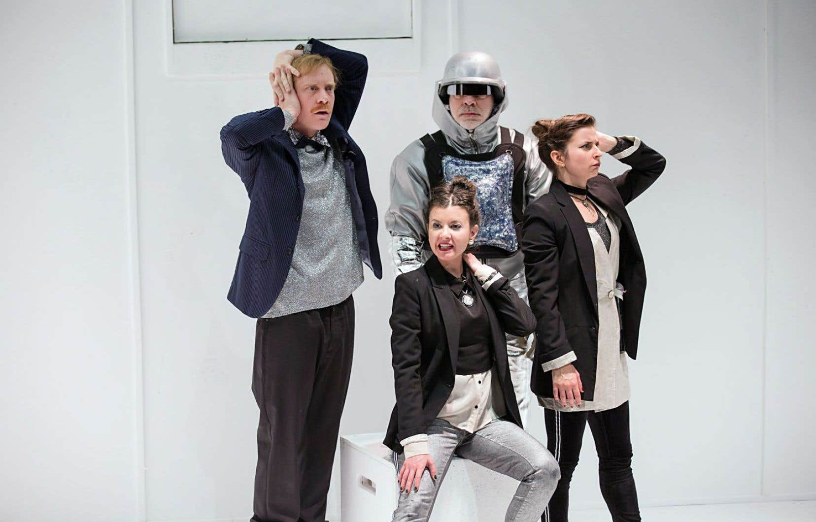 La complicité du trio, sa grande force comique, nourrie par les remarquables apparitions d'Yves Morin, ne cessent de captiver.