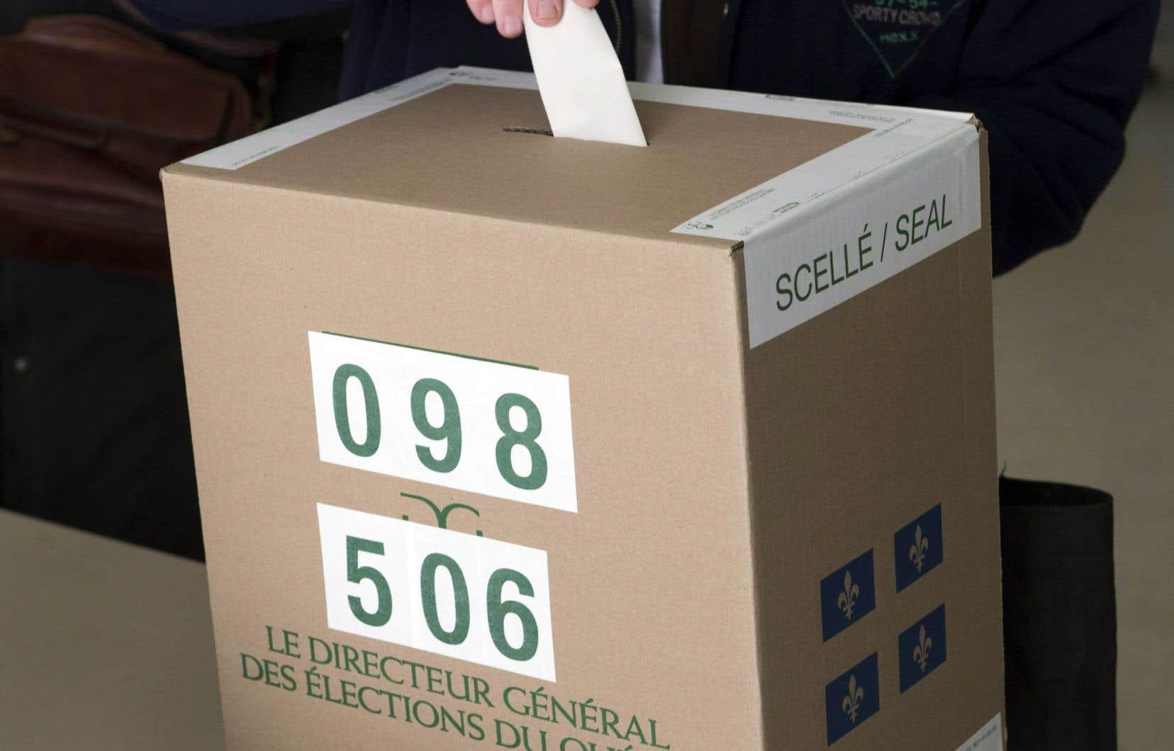 Traditionnellement, le taux de participation, lors d'élections complémentaires, est plus faible que celui enregistré lors des élections générales.