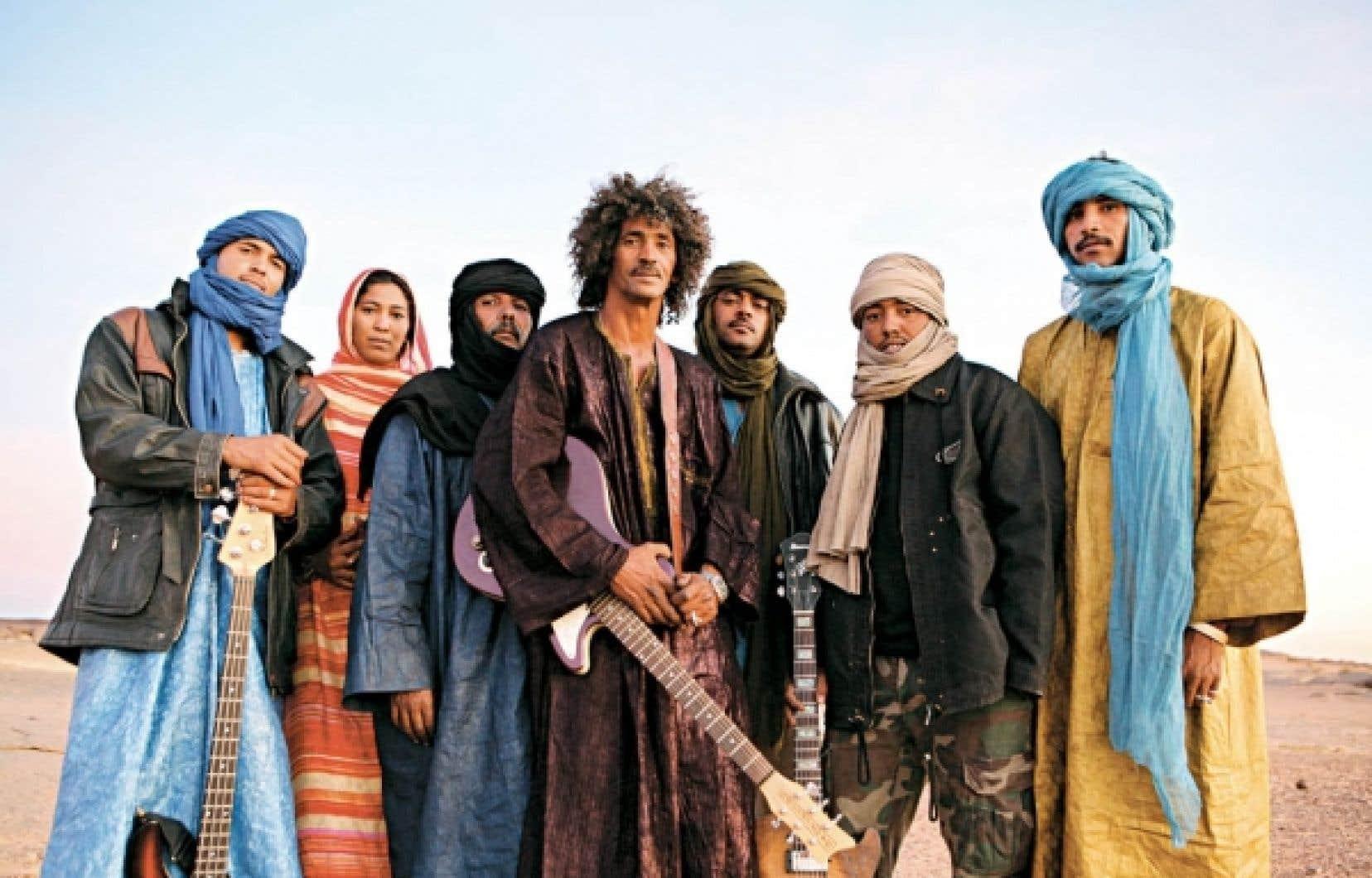 Le DVD qui accompagne Imidiwan: companions illustre très bien l'univers de la création du disque dans le silence et l'immensité de la terre, avec pour tout paysage le sable, les roches et l'austérité.