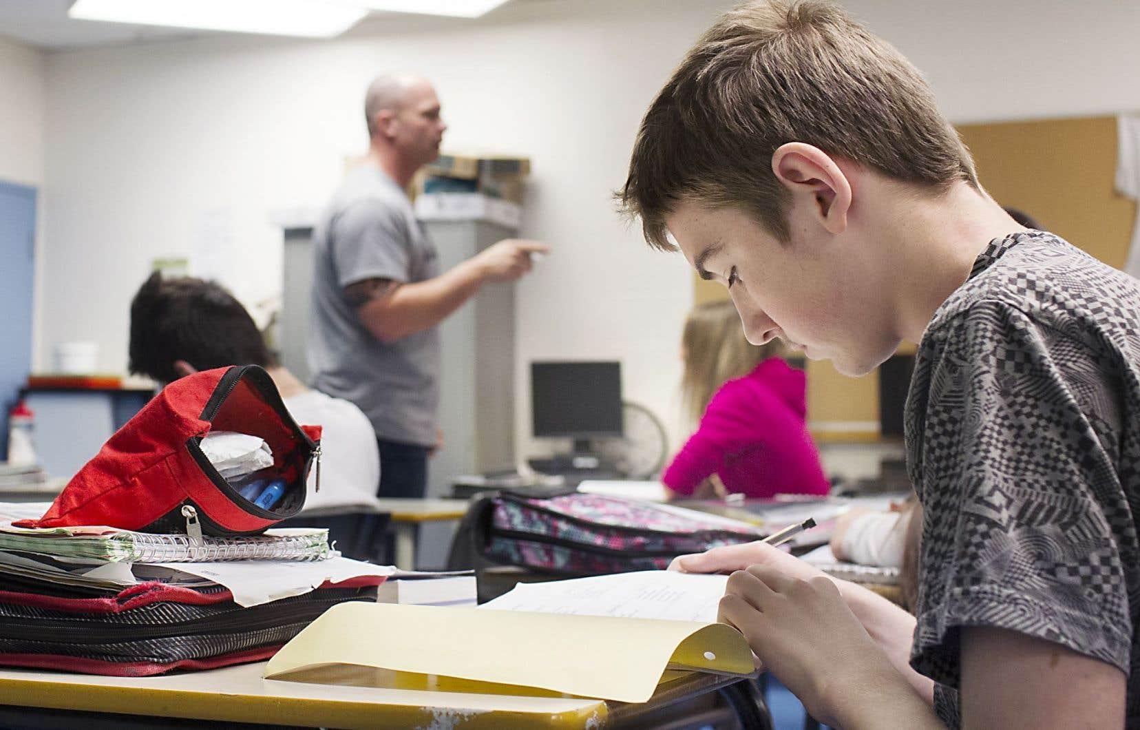 Le CSF s'inquiète de la persistance de certains biais sexistes chez les enseignants.
