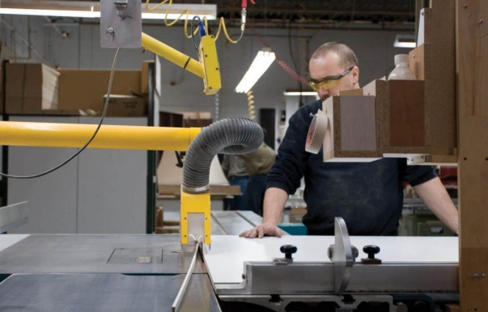 Pour venir en aide au secteur manufacturier, Ottawa et les provinces ont annoncé une série de mesures fiscales au fil des ans de manière à permettre aux entreprises d'alléger leur fardeau fiscal.