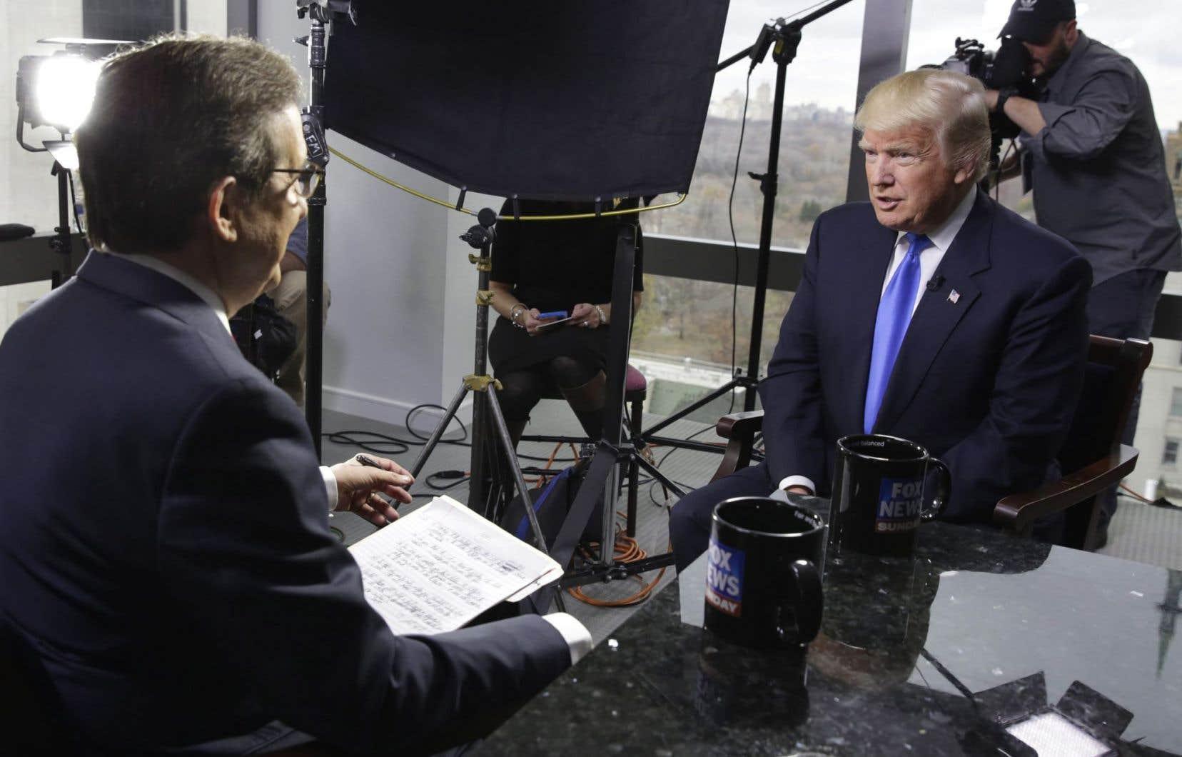 Interrogé par Fox sur les conclusions de la CIA révélées vendredi soir par le «Washington Post», M.Trump les a jugées «ridicules».
