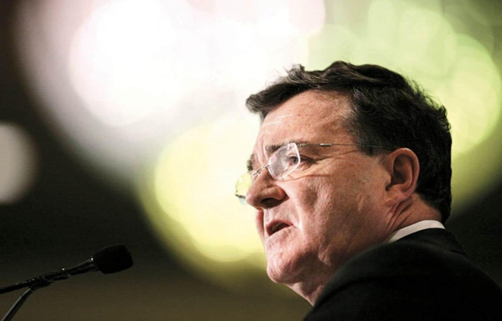 Le ministre des Finances, Jim Flaherty a entrepris de «vendre» le budget aux Canadiens par une tournée pancanadienne.