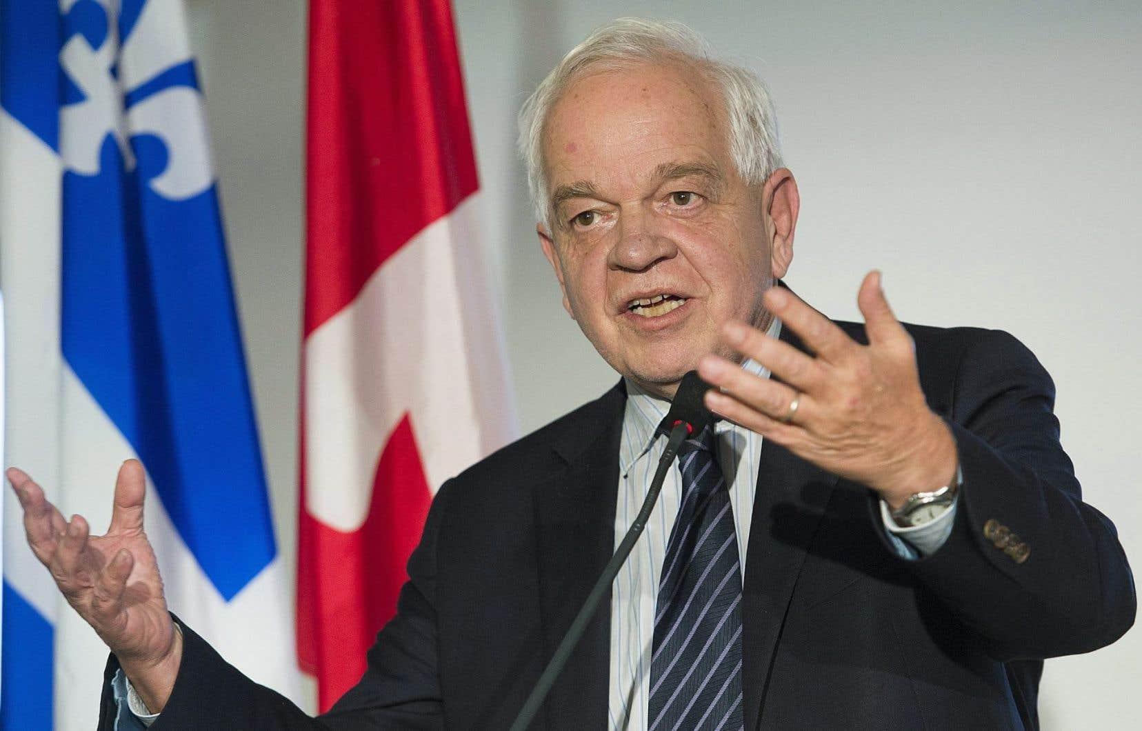 Le ministre de l'Immigration, des Réfugiés et de la Citoyenneté, John McCallum