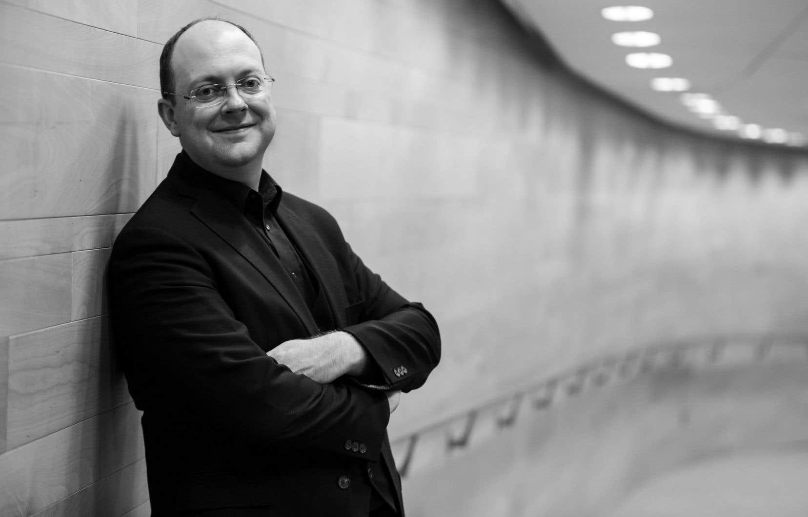 Andrew McAnerney assurait la direction de la seconde partie du concert dédié à Marc-Antoine Charpentier.
