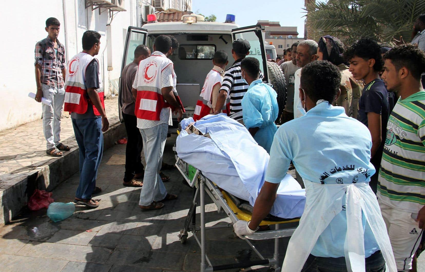 L'attentat de dimanche, qui a fait 48 morts et 84 blessés à Aden, est survenu huit jours après une attaque similaire le 10décembre.