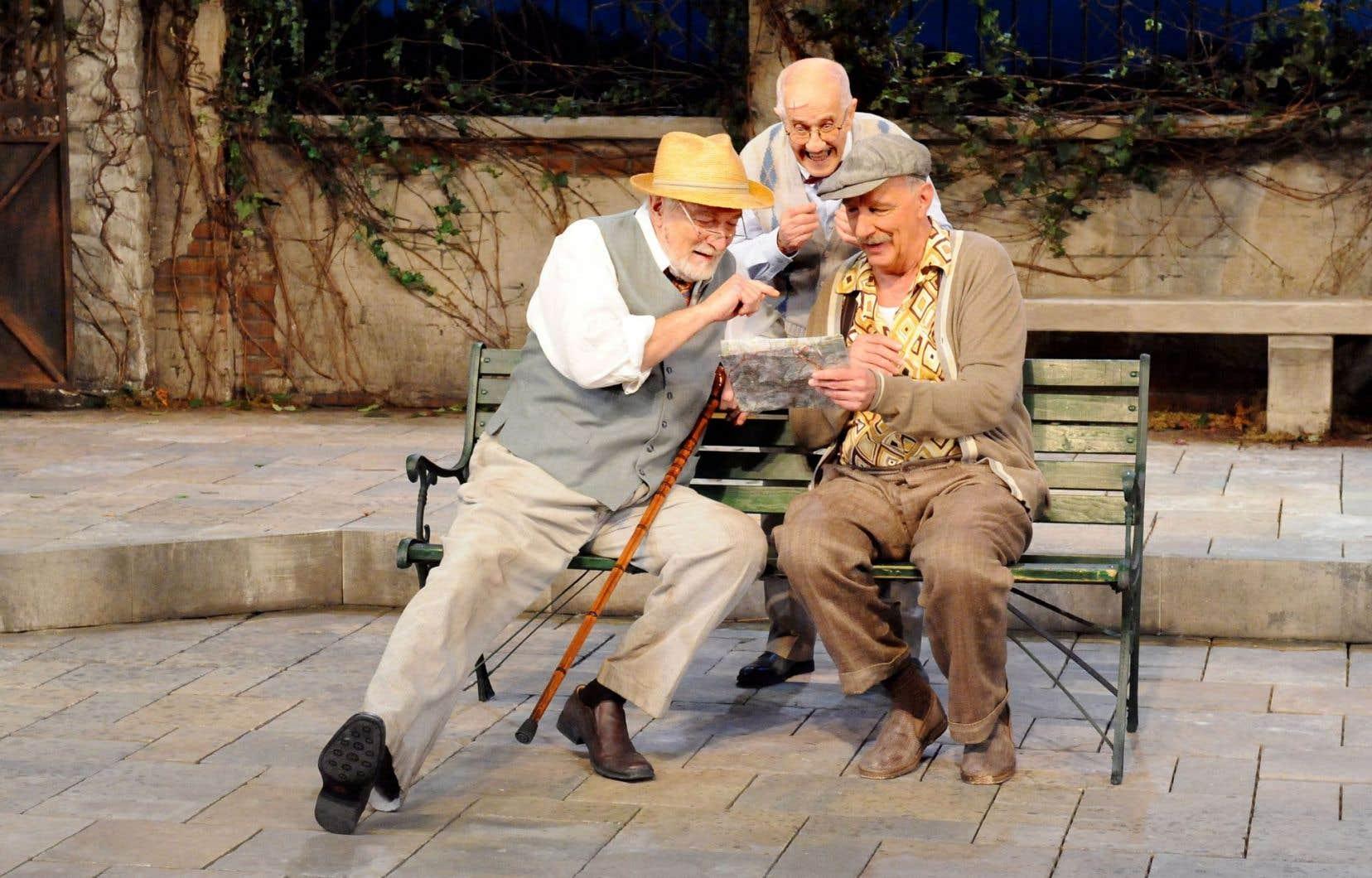 Les héros de ce texte créé à Paris en 2003, ce sont Henri (Michel Dumont), Philippe (Marc Legault) et Gustave (Guy Mignault), des vétérans de la Première Guerre mondiale qui attendent la mort sur la terrasse d'un hospice.