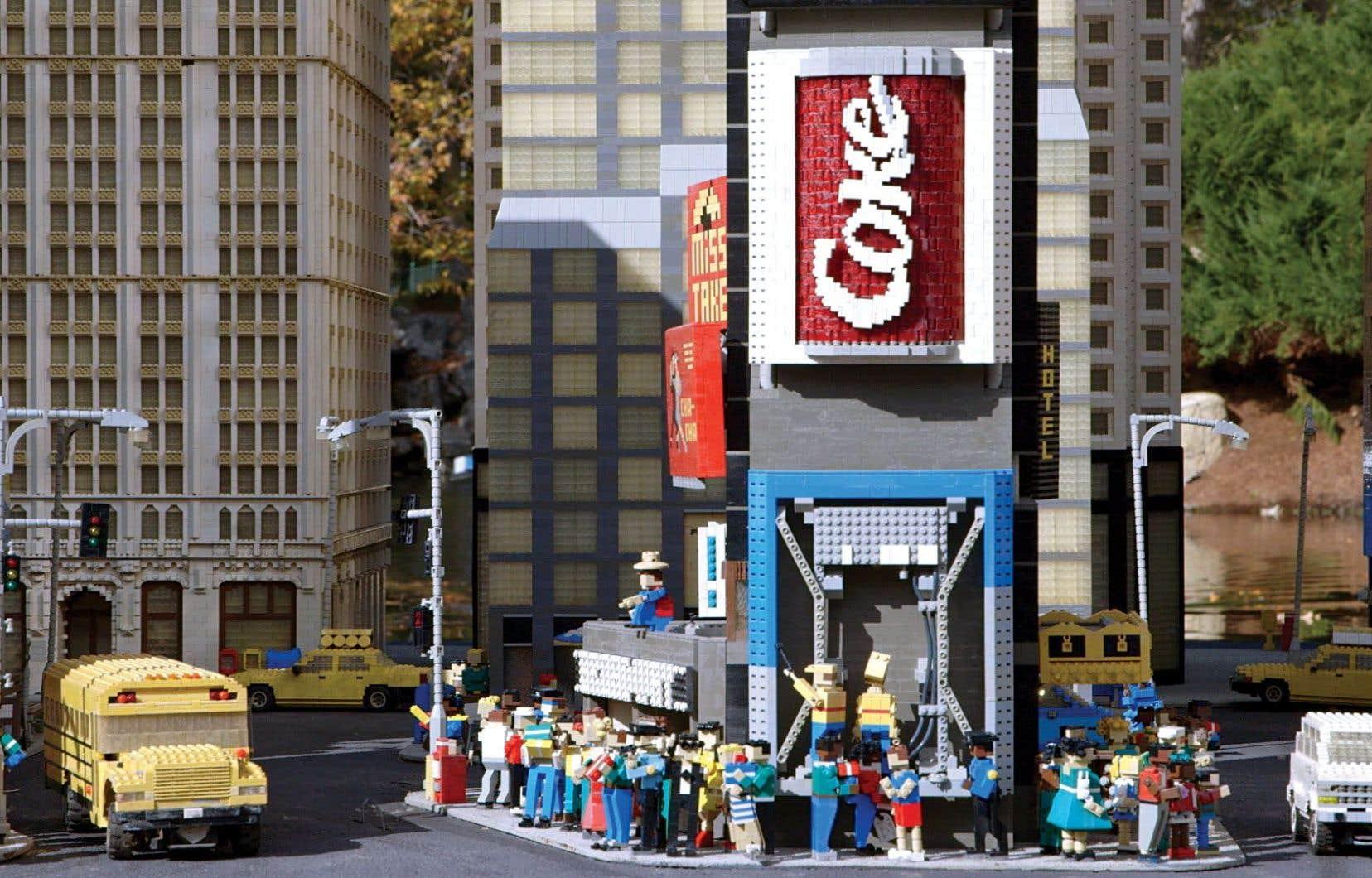 Le chiffre d'affaires de Lego atteint les 4milliards de dollars et on compte, sur la planète, une centaine de blocs par être humain.