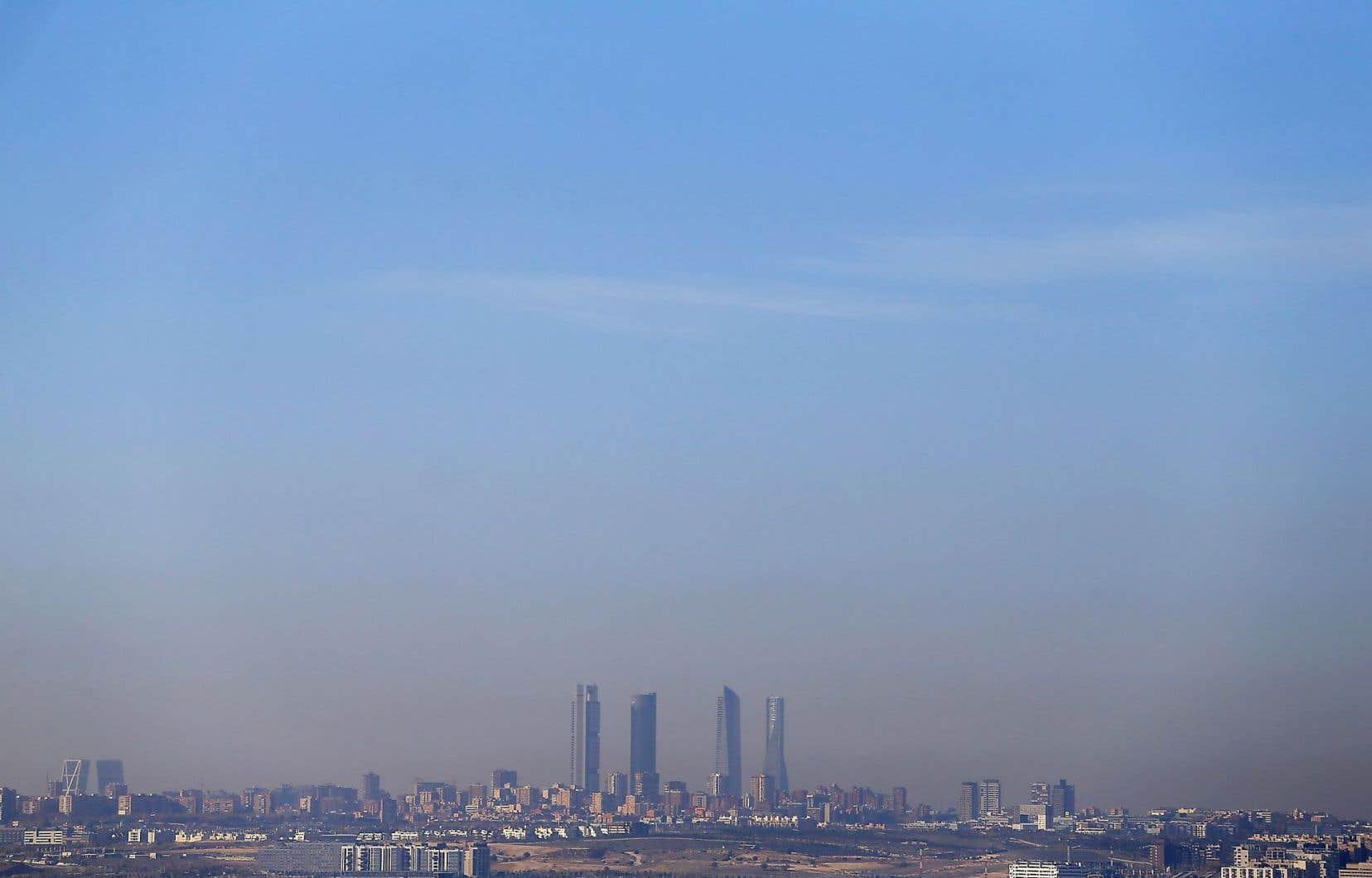 Avec 3,2millions d'habitants et 1,8million de voitures, Madrid est considérée comme l'une des capitales les plus polluées d'Europe.