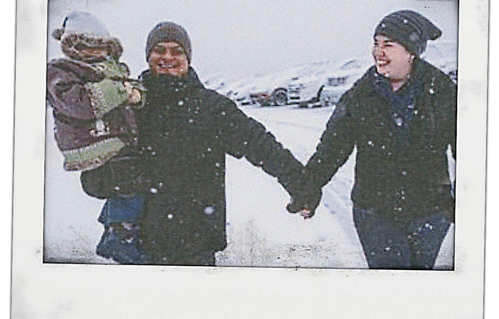 Rafael Enriquez, son épouse, Francine, et leur fille