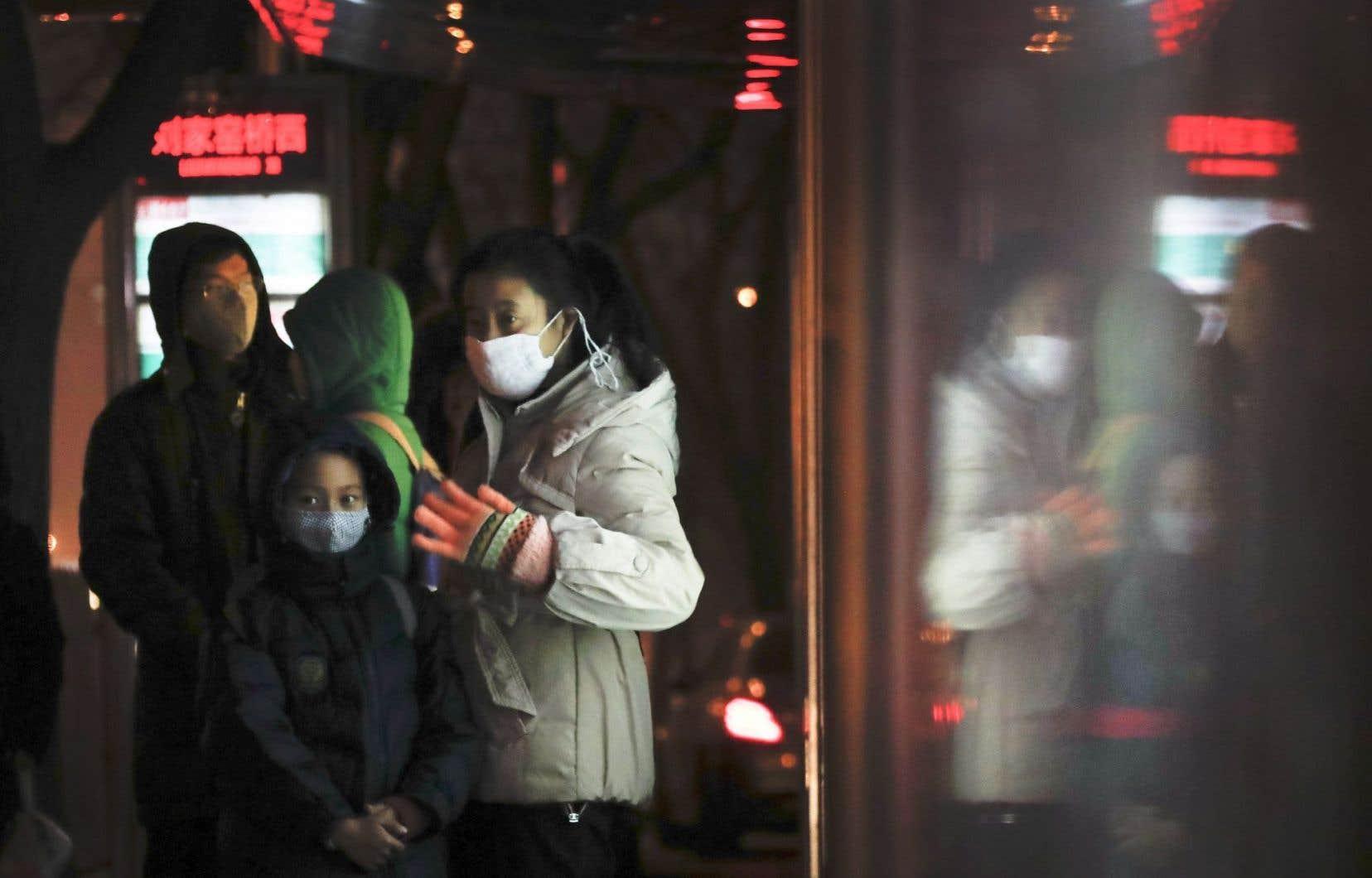 L'«alerte orange» qui met en garde contre une pollution atmosphérique importante a été prolongée de trois jours à Pékin.