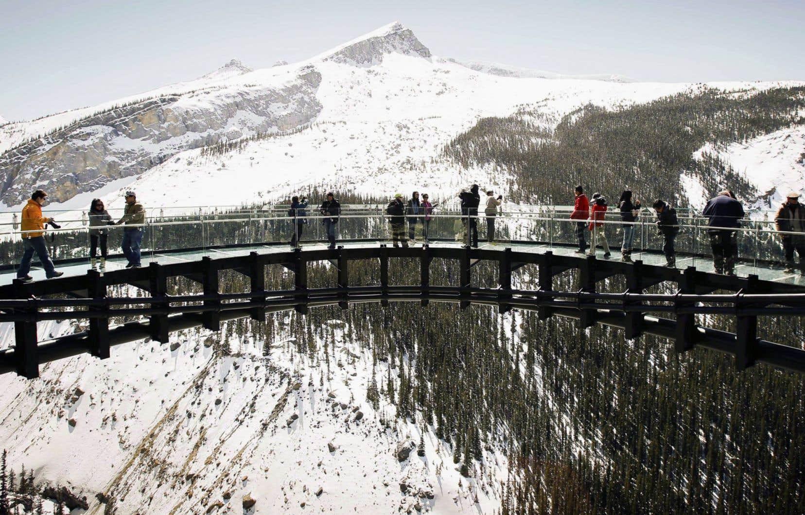 Des parcs comme ceux de Banff, de Jasper et de la Péninsule-Bruce sont déjà très fréquentés et un achalandage accru pourrait leur retirer de la grandeur, craint un expert.