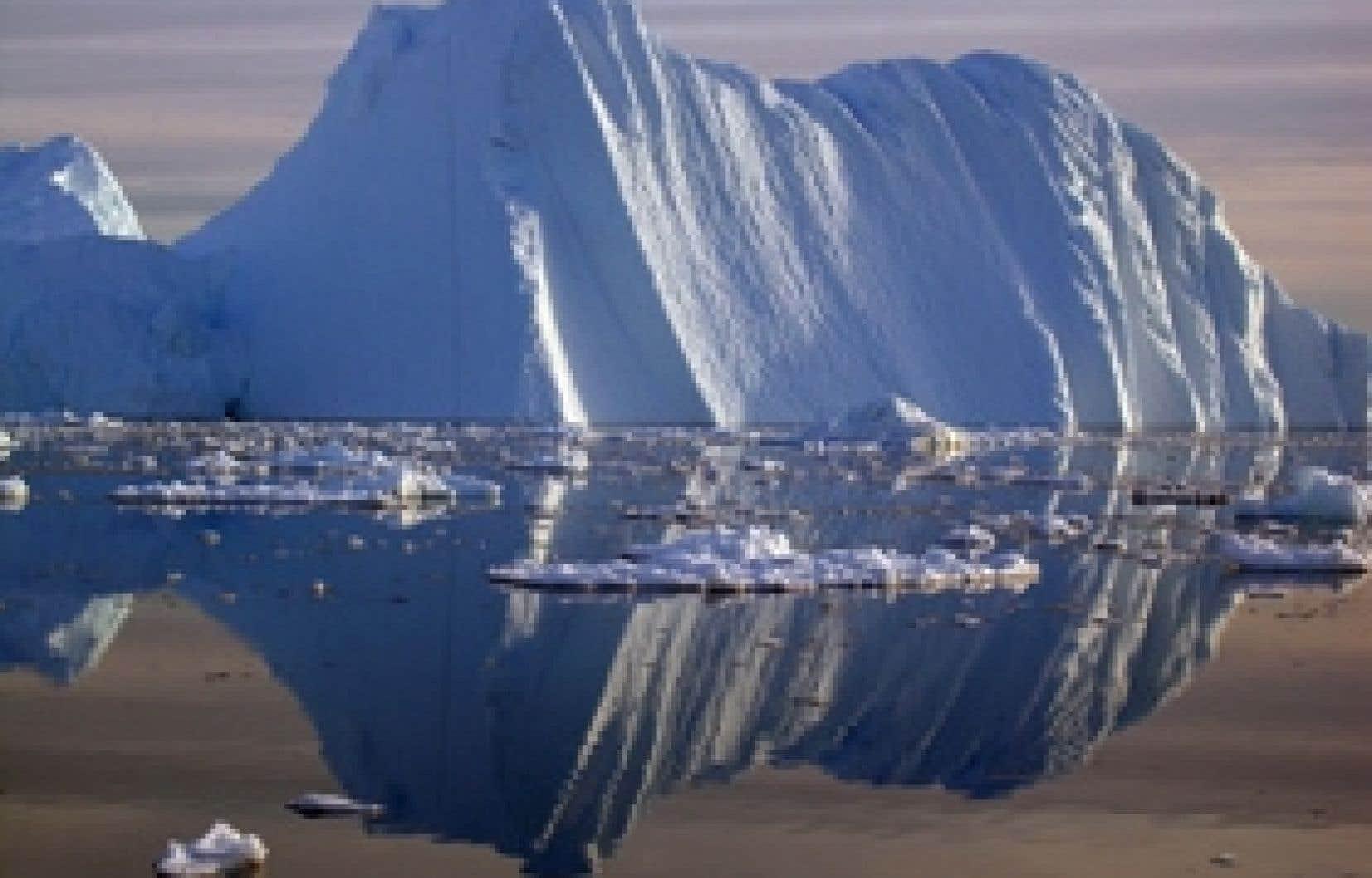 «Les passages du Nord-Ouest et du Nord-Est ont été libres de glaces en même temps pour la première fois de mémoire d'homme.»