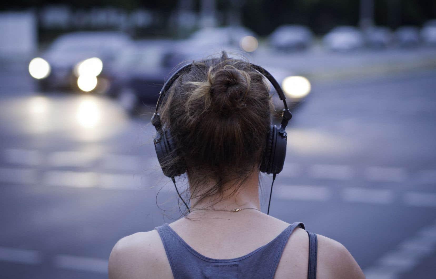 Pour huit femmes sur dix, la musique est la source de motivation qui permet de faire un exercice plus exigeant dans un cours de conditionnement physique, indique l'étude