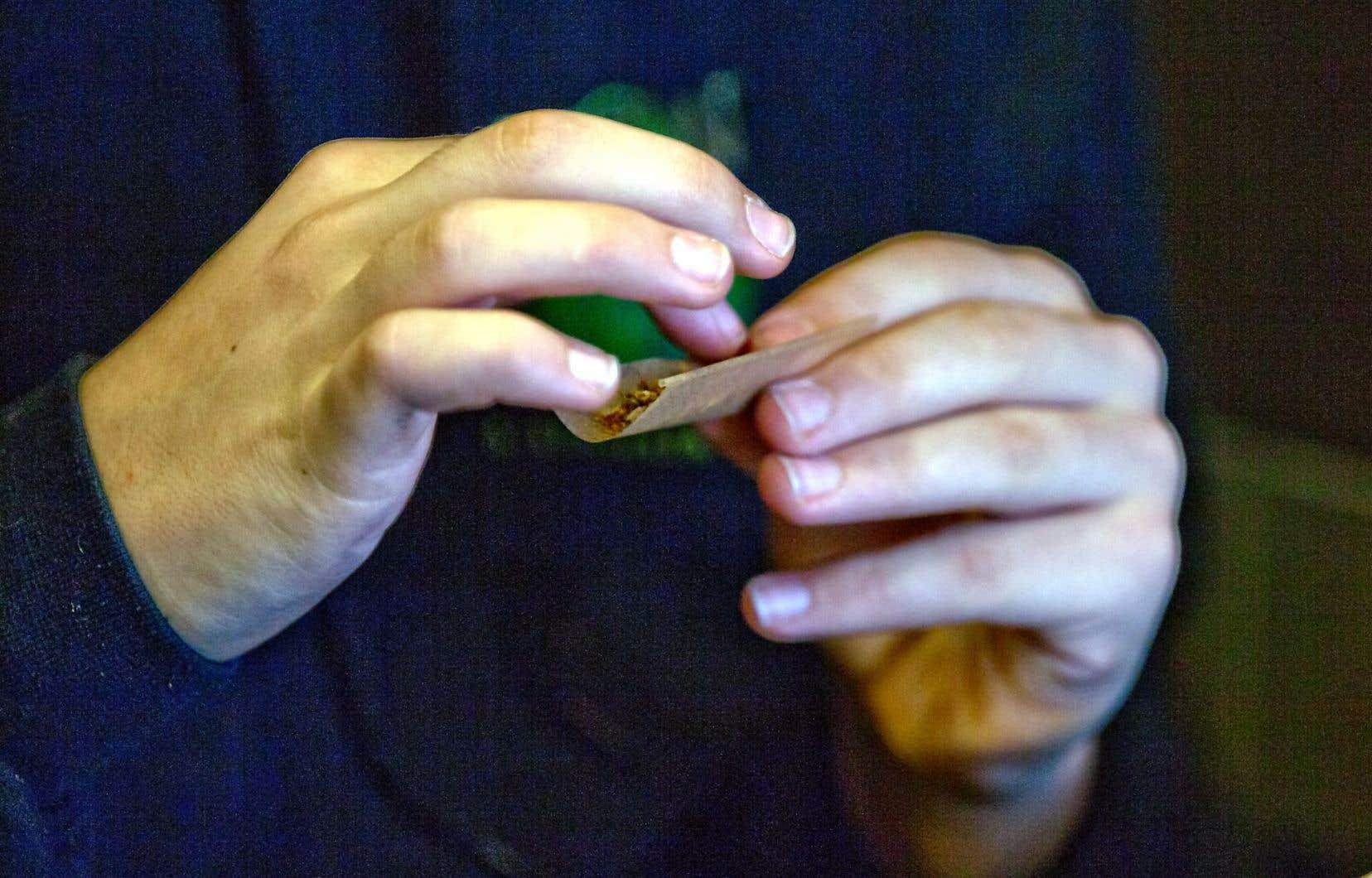 La marijuana récréative sera évidemment interdite sur les lieux de travail, au même titre que l'alcool.