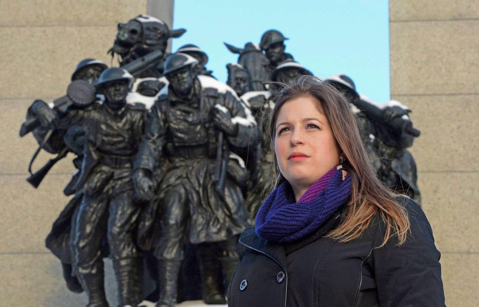 Sarah Lockyer est la coordinatrice de l'identification des pertes militaires du ministère de la Défense. Tous les ans, des restes de certains des 28000 Canadiens disparus au cours des deux guerres mondiales sont retrouvés sur les anciens champs de bataille.